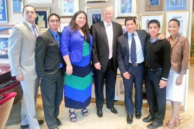 "Donald Trump meets with ""The Bridge Project"" in 2013 via NBC Latino"